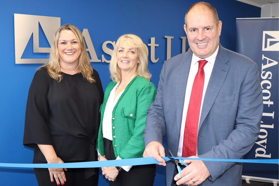 Ascot Lloyd unites Wolverhampton team in new offices
